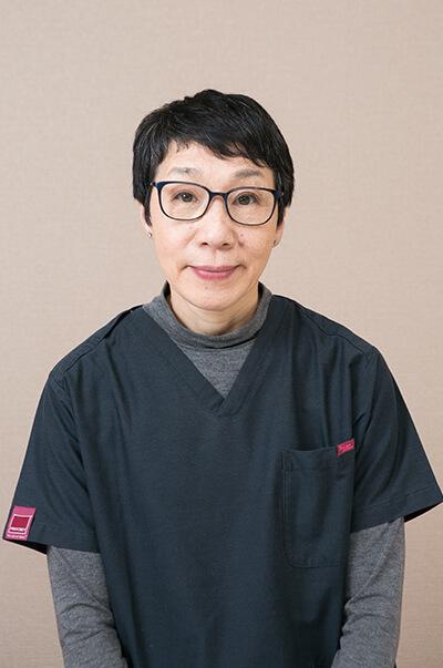 歯科医師:西山 雅子